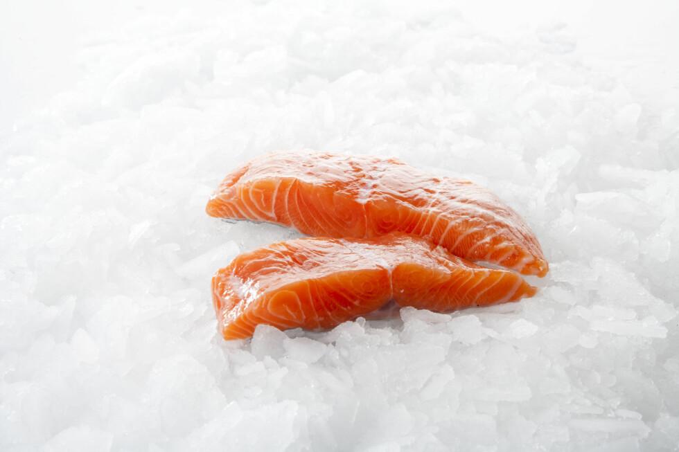 MAT MED MYE FETT har kortere holdbarhet, da fett er det første som harskner. Som en tommelfingerregel holder fet fisk seg kun i 1-2 måneder i fryseren.