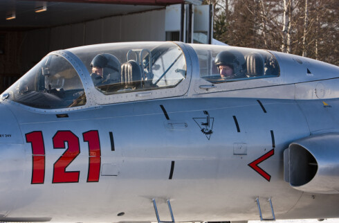 DinSides utsendte på plass i cockpit og klar for en flytur i en ekte jetjager. Foto: Per Ervland