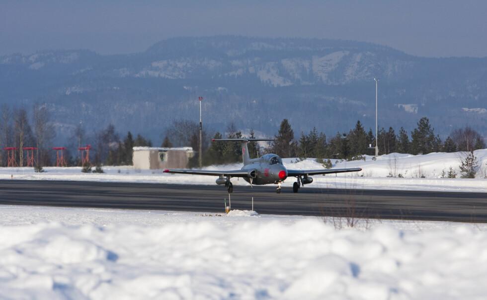 Takeoff i en jetjager er en spesiell opplevelse - Aero L-29 vinner høyde svært mye raskere enn et passasjerfly. Foto: Per Ervland