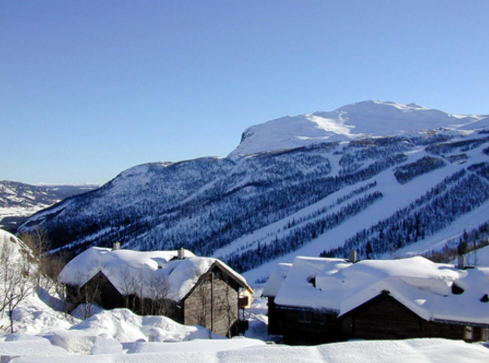 Flott beliggenhet med utsikt over bakkene og Hemsedal. Foto: Skarsnuten Hotell