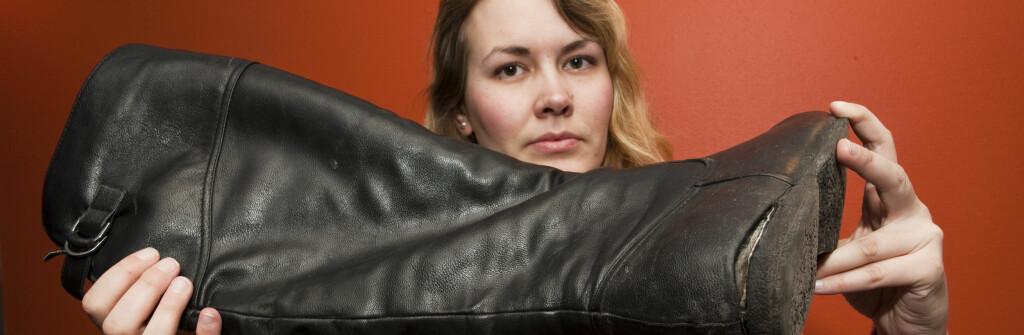 Sålene løsnet etter hun hadde brukt dem i under to måneder. Foto: Per Ervland