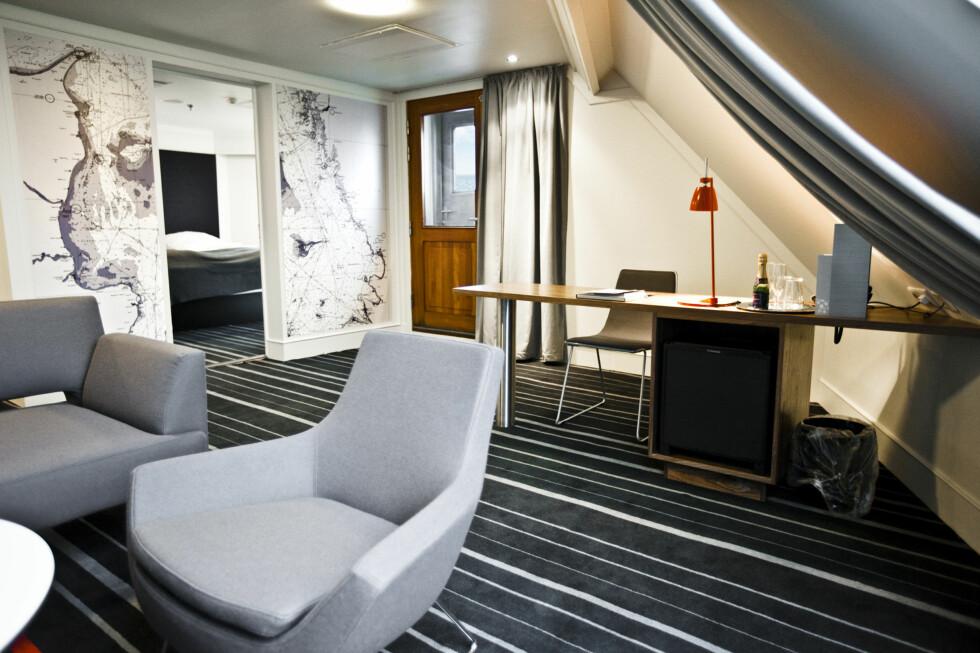 Owners Suite består av to rom - soverommet er separat, og i hovedrommet er det en sofasalong og en kontorpult. Foto: DFDS Seaways