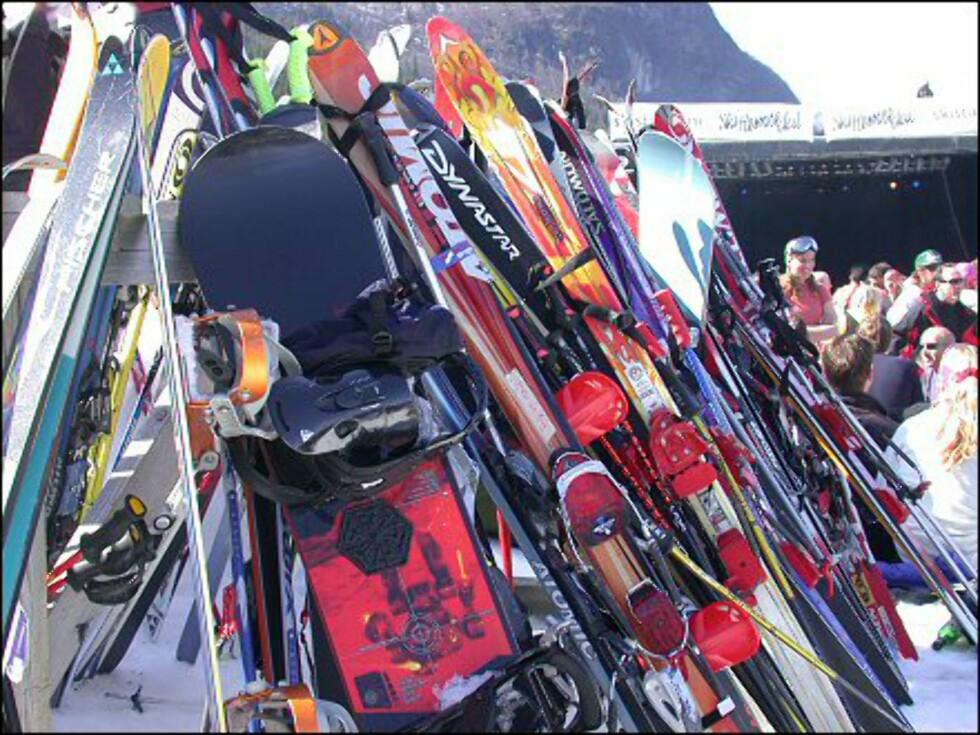 Står du ikke så mye på slalom? Da er det antagelig greiest å låne ski av venner, eller leie på skisenteret. Foto: Elisabeth Dalseg