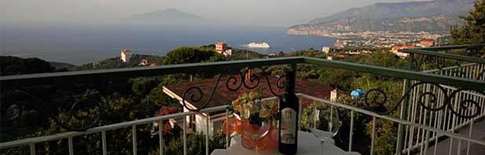 Utsikt fra hotellet Il Nido, et av Europas ti beste hoteller hva gjelder verdi for pengene.  Foto: Hotellet