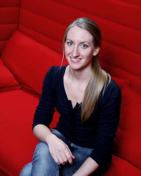 Lene Kallum, PR-ansvarlig i FINN, ser en tendens til at stadig flere vil selge garderoben sin. Foto: FINN