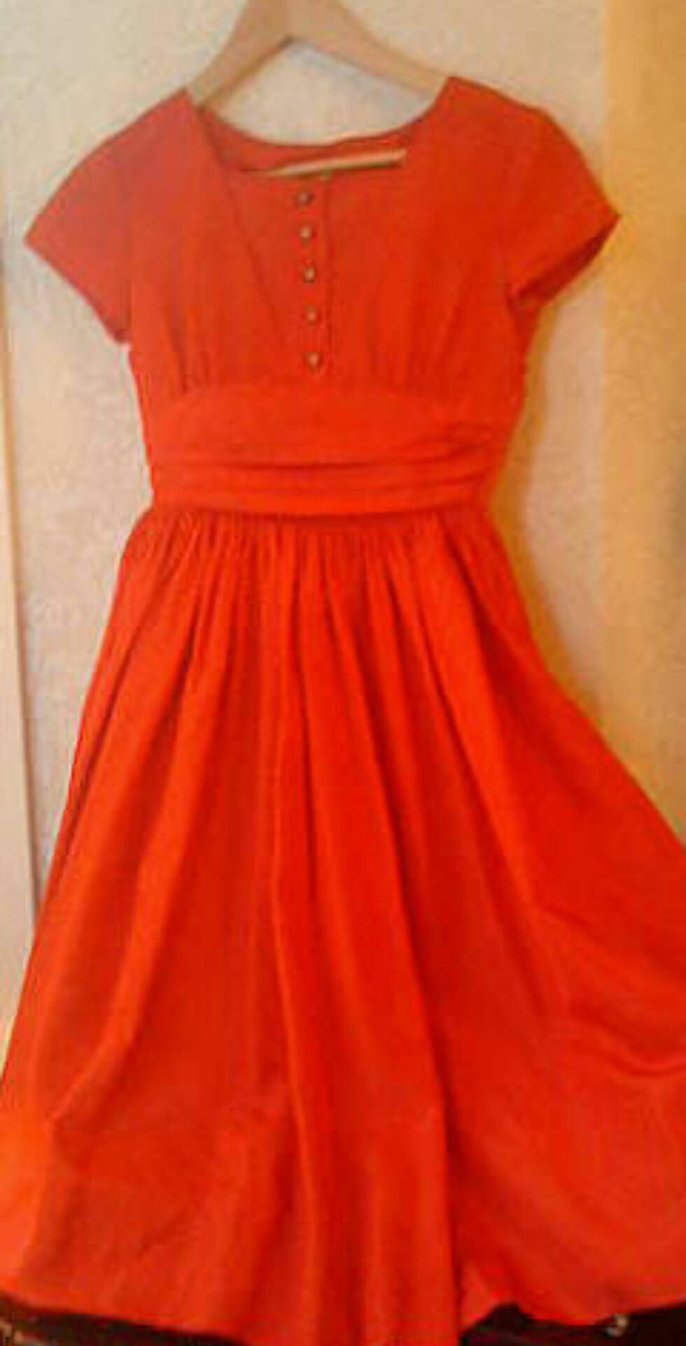 <strong>Vintage kjole str XS, kr 350, Oslo Foto:</strong> Finn.no