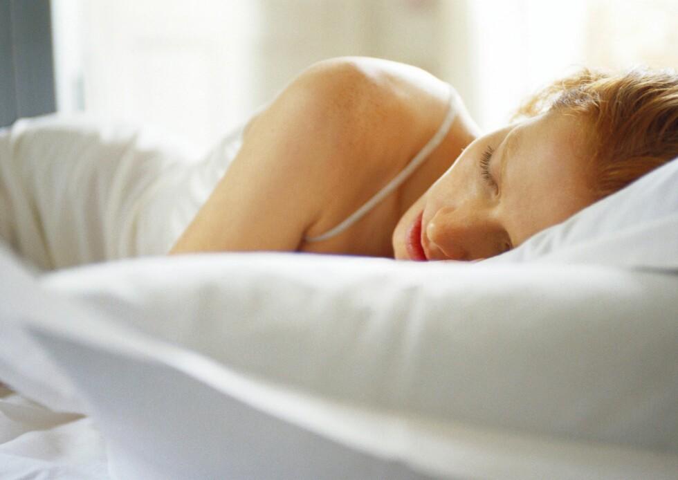 Studie viser at lukten som kiler deg i nesa når du sover, påvirker hvilke drømmer du får.     Foto: Colourbox