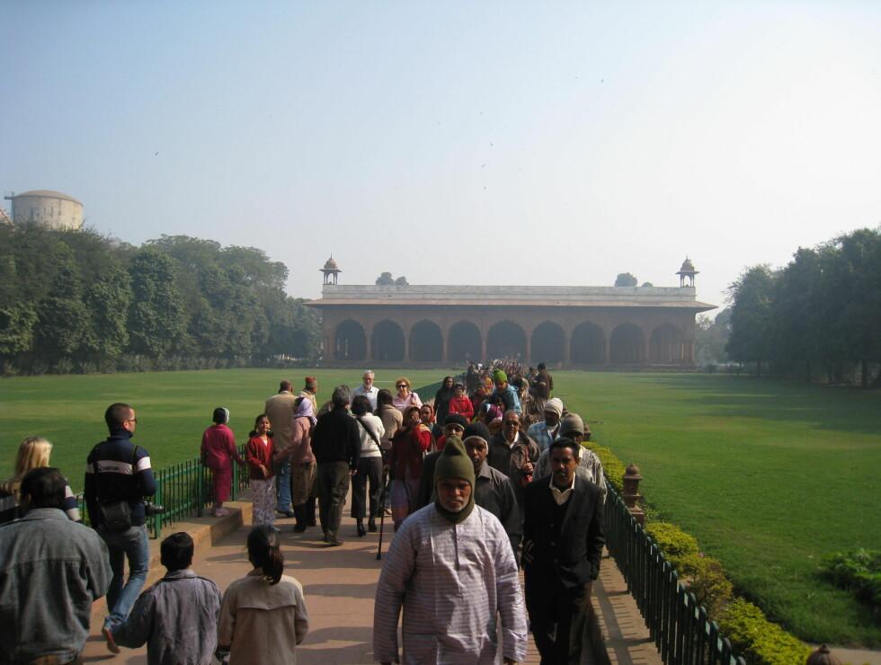 Red Fort er et must for turister i New Delhi. Fortet er stort og flott, og står på Unescos verdensarvliste. Fortet ble bygget av Shah Jahan i 1639. Foto: Stine Okkelmo