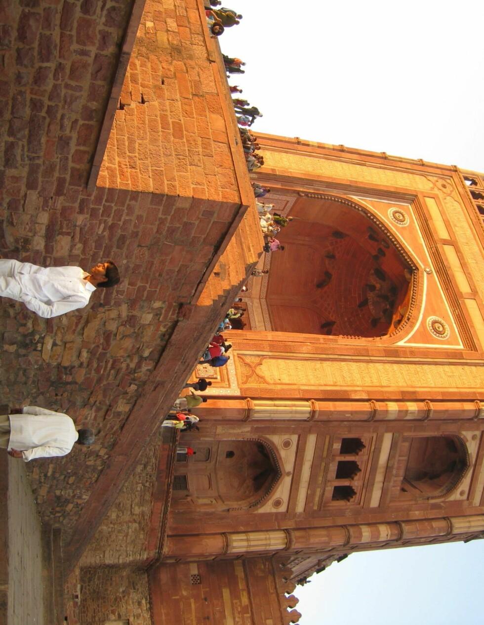 Inngangen til Fatepur Sikris moské.  Foto: Stine Okkelmo
