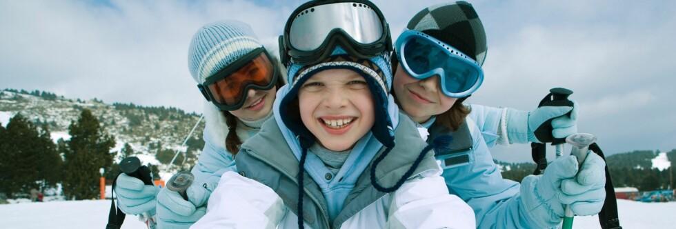 Det er lagt stor vekt på tilrettelegging av skibakkene for barne, og hvorvidt det finnes båndheiser, i denne kåringen av de mest familievennlige skiområdene. Foto: Colourbox