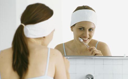 Enkelt og greit: puss tennene to ganger om dagen. Foto: colourbox.com