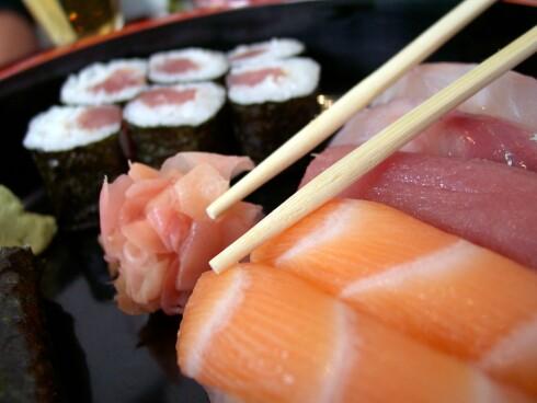 RÅTT OG HJERTEGODT: Det aller beste er å spise rå fisk, ifølge omega 3-ekspert Bjarne Østerud. Foto: COLOURBOX.COM