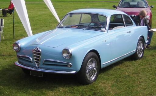 Dette er en klassisk Giulietta fra 50-tallet, her i Sprint - kupéversjonen.  Foto: Wikimedia Commons/Charles01