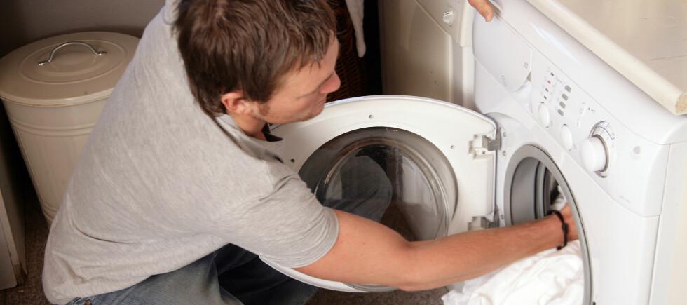 - Med ren vask mener vi ikke bare hvit og uten flekker. Vi mener fri for bakterier, sier svensk overlege. Foto: Colourbox.com