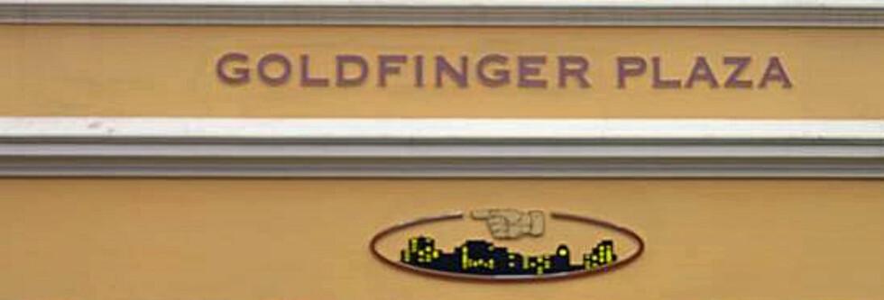 Sjekk inn: Goldfinger Plaza