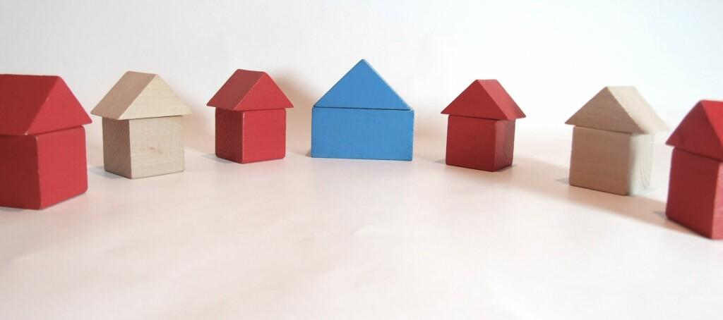 Energimerkingen skal bli en av faktorene som skal gjøre det lettere å skille mellom ulike objekter når en skal ut å kjøpe bolig. Foto: Tory Byrne
