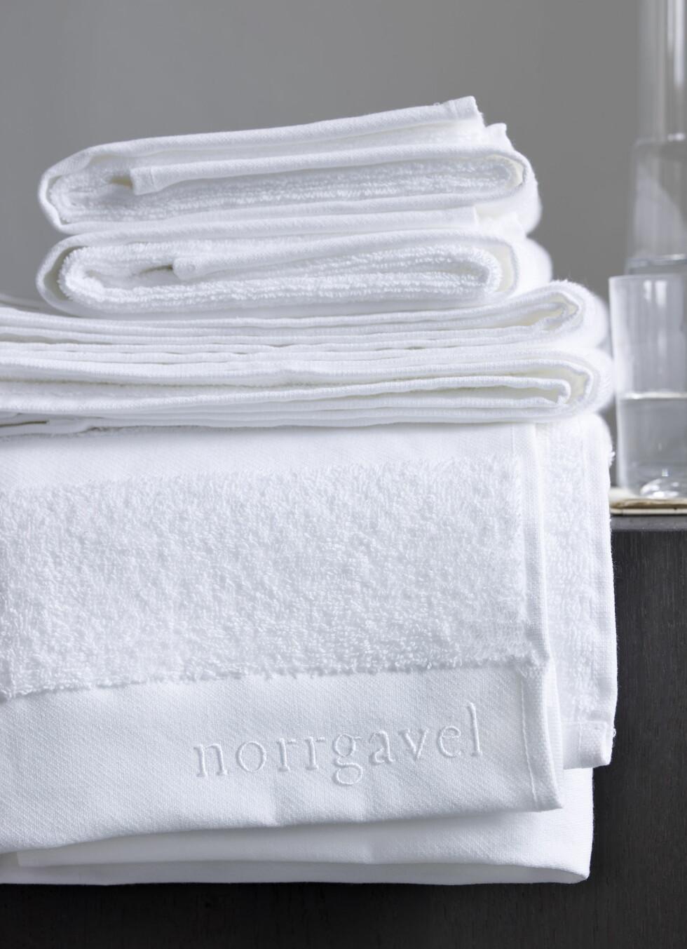 Norrgavel har også en egen tekstilkolleksjono med puter, pledd, sengetøy og håndklær. Alt økololgisk. Foto: Norrgavel