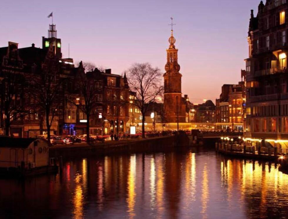 <strong>Selv uten nasjonalmonumentet på Damplassen er kanalbyen Amsterdam gjenkjennelig Foto:</strong> Hotels.com