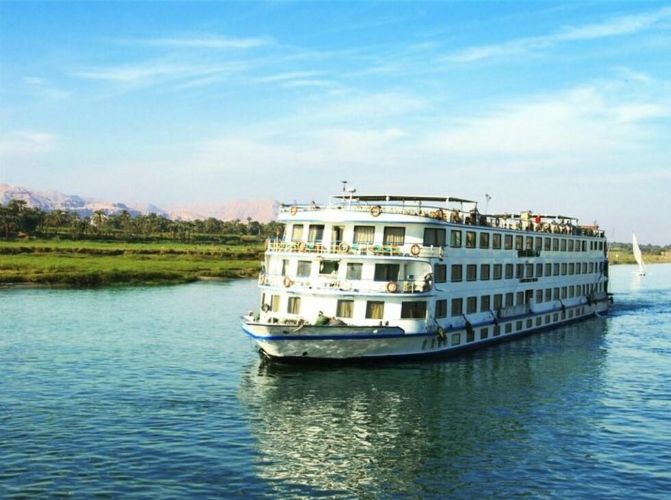 Nilen er mye renere og klarere enn du kanskje tror, og omgivelsene flotte og grønne. Foto: Star Tour