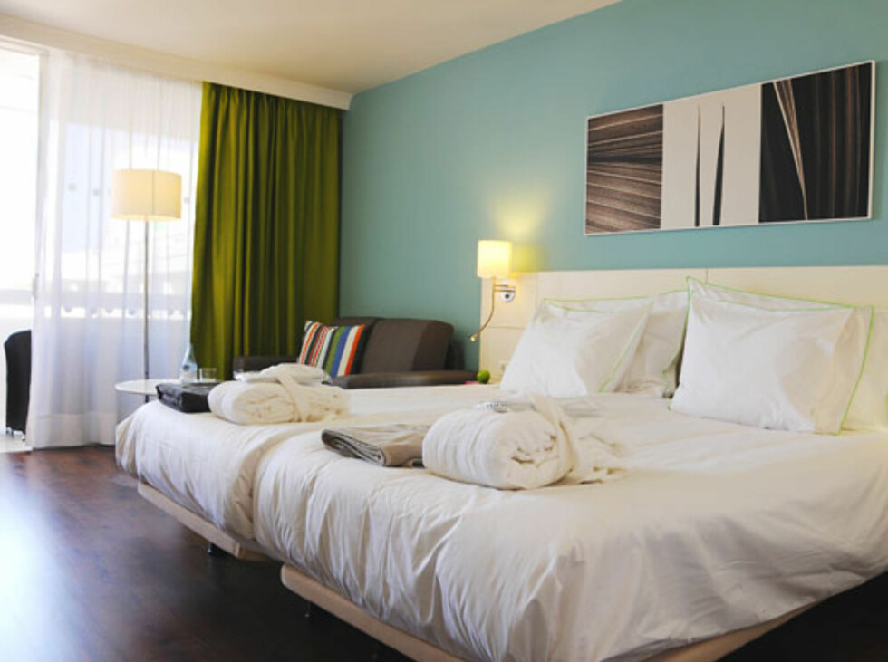 Moderne stil på rommene. Foto: Coral Suites & Spa/Ving