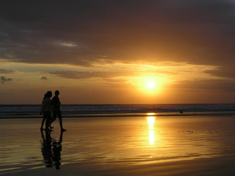 Solnedgang på Bali - et klassisk ferieminne. Foto: Jack Horst