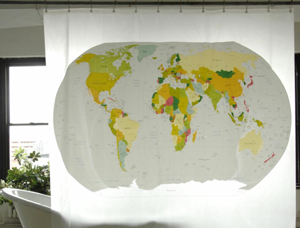 """Hvorfor ikke bruke tiden i dusjen til noe nyttig - som for eksempel å pugge verdenskartet? Dette forhenget fra Izola koster 23,97 dollar (135 nok) på //www.izolashower.com/peva-world-map-shower-curtain11.html"""">Izolashower.com"""