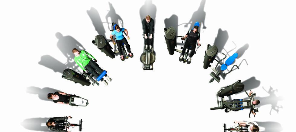 KAN BLI POPULÆRT I NORGE OGSÅ: 16 forskjellige øvelser utføres på 24 minutter, og vips er hele kroppen trent. Rune Solheim, personlig trener og daglig leder ved treningssenteret Mykjemeir i Asker, synes konspetet ser spennende ut. Foto: LOOP Fitness A/S
