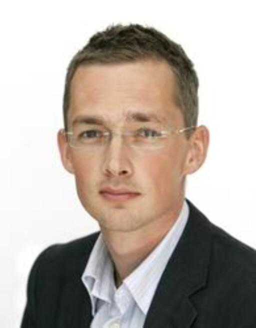 ADVARER: Underdirektør i Forbrukerrådet Hans Marius Graasvold. Foto: Knut Falch