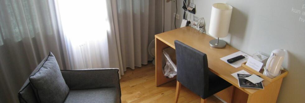 Enkel, skandinavisk stil på rommene på DGI-byens hotell. Foto: Stine Okkelmo