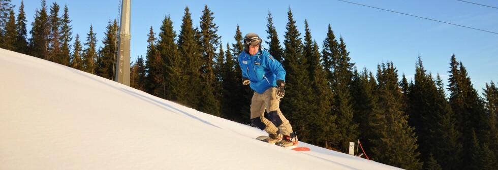 Magnus Solli tester brettet for første gang denne sesongen, onsdag 14. oktober. Foto: Kvitfjell