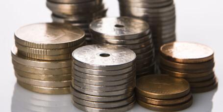 - Spar to til tre månedslønner