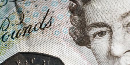 Britiske pund under den magiske grensen