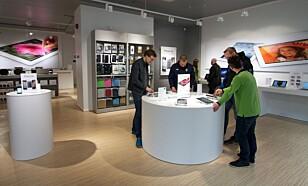 GRATIS: I Norge er det selger som må ordne opp innenfor reklamasjonsfristen. Eplehuset kan også hjelpe deg, selv om du ikke har handlet telefonen hos dem. (Foto: Eplehuset)