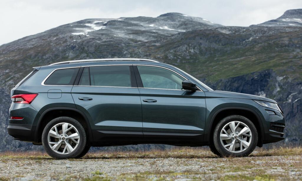 ROMSLIG: Den nye SUV-en fra Skoda byr blant annet på svært god plass. Alle bildene av bilen i denne artikkelen har Skoda tatt på Skodje utenfor Ålesund. Foto: Skoda