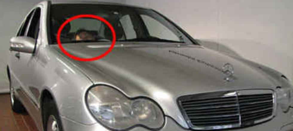 Hvorfor gå ut av bilen, når man kan forsøke å dukke ...? (Faksimile: Finn.no)
