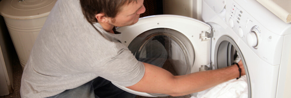 Hva skal du tenke på når du vasker klær? Deg selv, eller miljøet? Foto: Colourbox.com