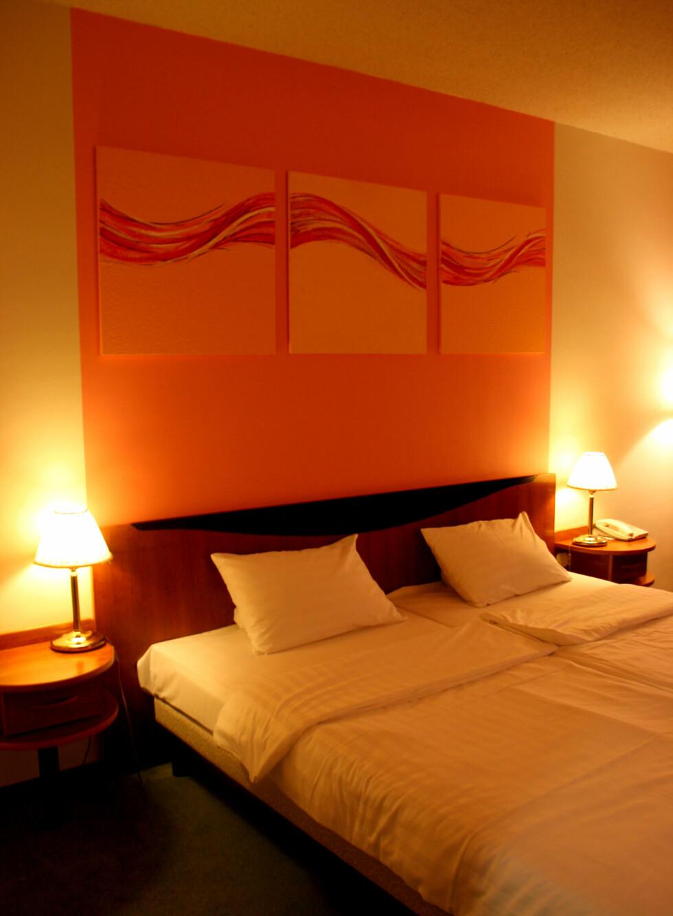 Hotellet åpnet i mai 2000, og rommene har ikke rukket å bli slitne ennå.