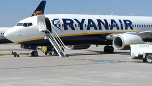 Snaut to meter høy mann tester Ryanair