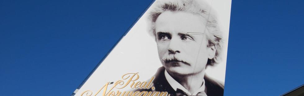 Edvard Grieg vil i fremtiden kunne hilse på svenske og danske helter når han befinner seg på flyplassen. Foto: Norwegian