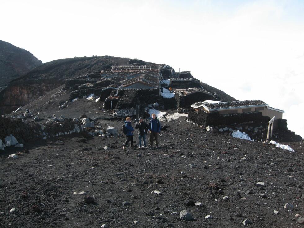 Svart hav: Det er ikke mye vegetasjon på vulkanen, men mange planter gror nok ikke på 3.200 meter uansett.