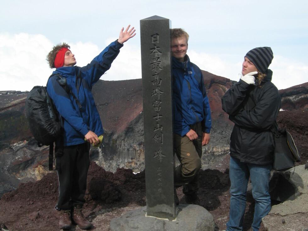3776 m.o.h.  Det høyeste punktet i Japan.
