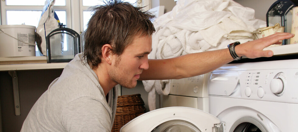 Har du plass er vaske- og tørketrommel ved siden av hverandre, slik som her, absolutt å anbefale.  Foto: Colourbox.com