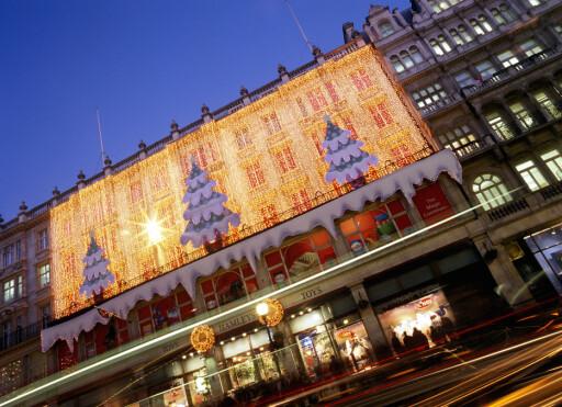 Hamleys leketøysbutikk i juledrakt. Foto: Visit London