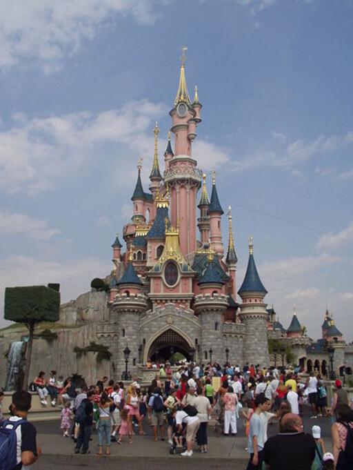 Der drømmer blir til virkelighet? Disneyland Paris.