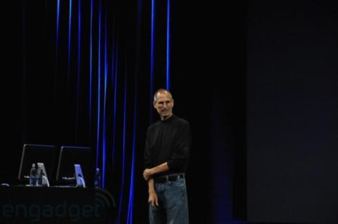 TILBAKE: Etter lengre tids sykefravær var Apple-sjef Steve Jobs tilbake i manesjen i kveld.