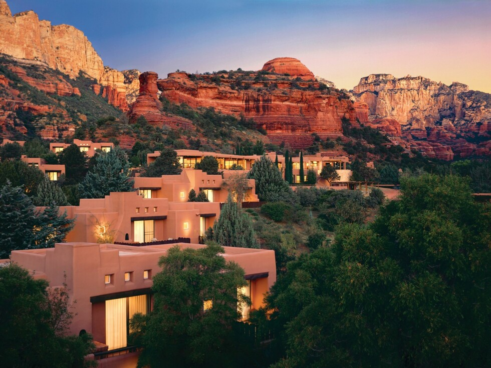 Slik bor du på Enchantment Resort and Mii Amo Spa, i spredte småhus.Prisen er fra 276 pund per natt - eller 2725 norske kroner. Foto: Enchantment Resort and Mii Amo Spa