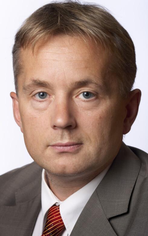 - Ned 20-50%: Justisminister Knut Storberget (Ap) har sagt han vil ha inkassosatsene ned 20-50%.