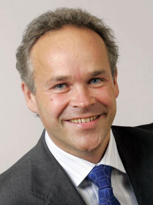 """Slapt ja: Jan Tore Sanner sitter i Finanskomitéen for Høyre, og var med på å anbefale en """"utredning"""" av lavere innkassogebyrer."""