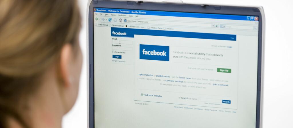 Facebook er ikke din venn, men en kommersiell kanal som tjener masse penger på deg. Foto: Colourbox.com