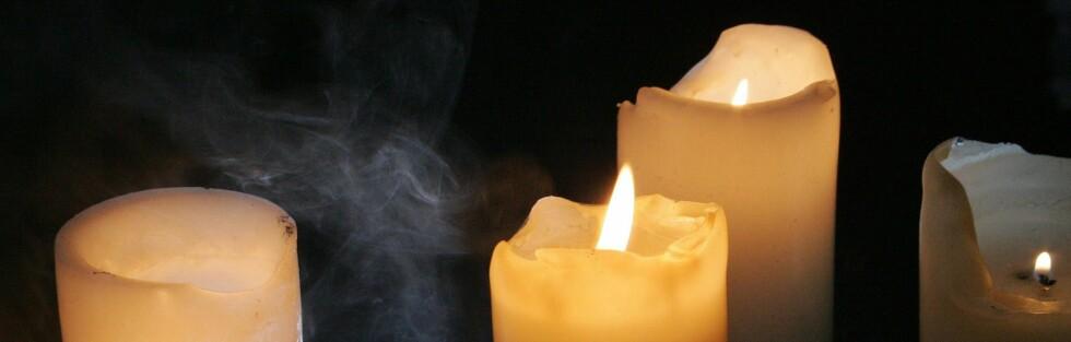 PARAFINVOKS: Lys av parafinvoks er de mest brukte. Foto: colourbox.com